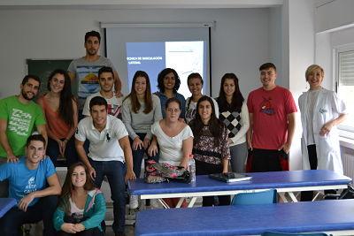 El pasado fin de semana hubo un nuevo seminario de nuestro master. Aquí podemos ver a los alumnos de 1º con la profesora Elena Beltrán.