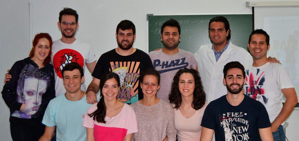 Los alumnos de 2º con el profesor José A. Soler García durante el último seminario en el que conocieron las Lesiones de 2º grado, recibieron nociones sobre la Urgencia Osteopática y comenzaron con el aprendizaje de las Cadenas Musculares