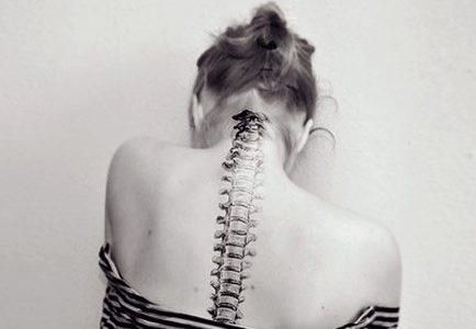 Los riesgos y beneficios de la manipulación de la columna cervical